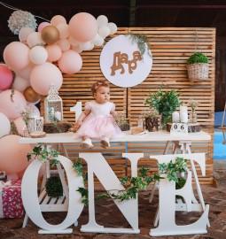 Детски рожден ден – Дара става на една годинка
